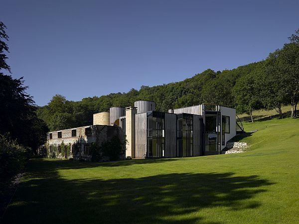 Birds Portchmouth Russum ganó el concurso para construer Downley House en Hampshire