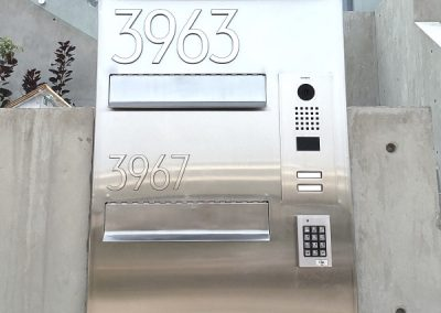Stainless steel mailbox