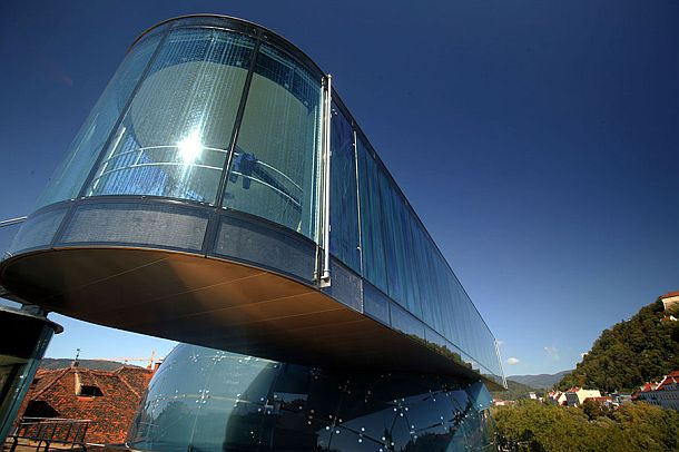 """The """"needle"""" is a viewpoint and a bridge between the Kunsthaus and the Eisernes Haus"""