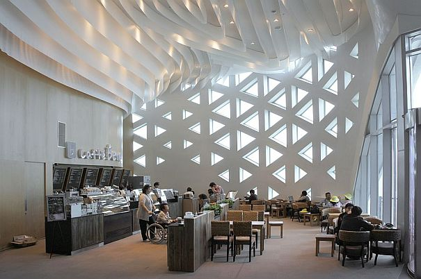 Design of the roof interior curves and lattice in the project commented by VisualARQ