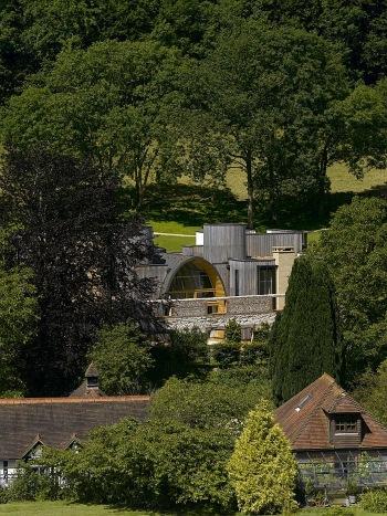 Arquitectura Rhino de cuento de hadas para una casa inglesa